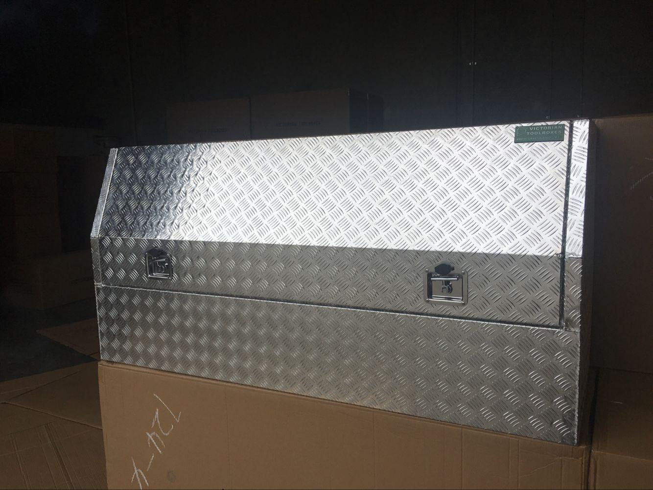 1700 600 820mm Aluminium Tool Boxes Side Opening Half